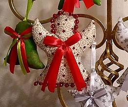 Dekorácie - Vianočné ozdoby (Anjel Zlatočervený vzor MIX) - 11274280_