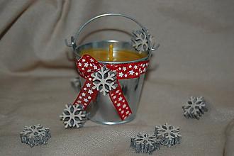 Svietidlá a sviečky - Vianočná vedierková sviečka - 11274637_
