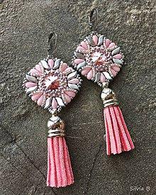 Náušnice - Nežné ružové Swarovski náušnice so strapčekom - 11274474_