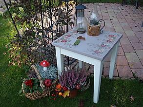 Nábytok - Romantický stolček - 11271805_
