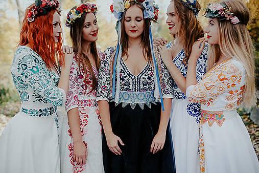 krátke vyšívané šaty Slavianka (36 - Ružová)