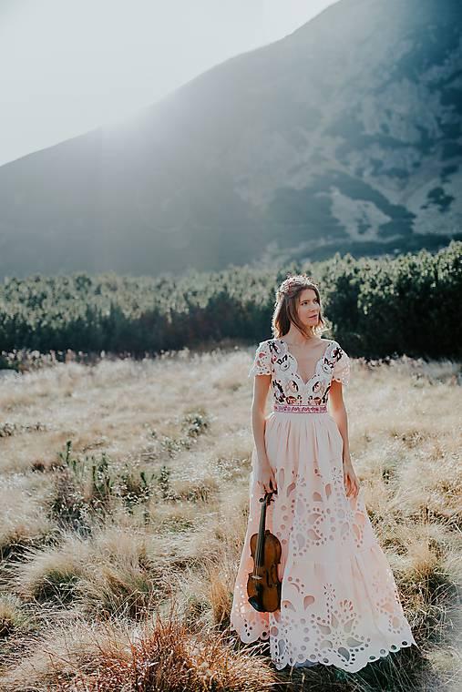 dlhé madeirové šaty Poľana