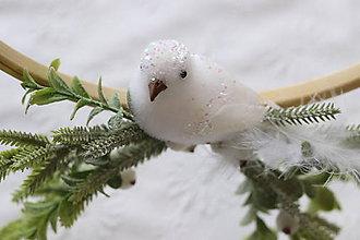 Dekorácie - Zimný veniec-vtáčik - 11273638_