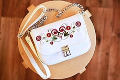 LEA kabelka vyšívaná (biela)