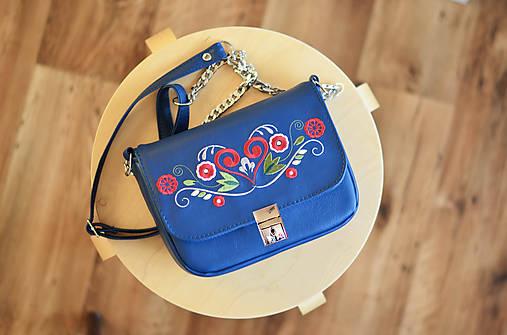 LEA kabelka vyšívaná (modrá)
