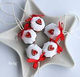 Dekorácie - Vianočné oriešky, srdiečko - 11278148_