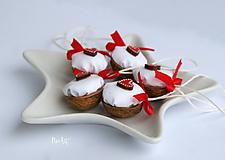 Dekorácie - Vianočné oriešky, srdiečko - 11278149_