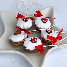 Dekorácie - Vianočné oriešky, srdiečko - 11278151_