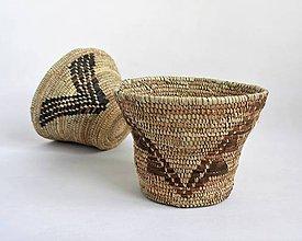 Dekorácie - Pletený palmový košík zdobený kožou - 11275609_