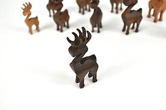 Dekorácie - Vianočný sob - malá drevená figúrka (Adamko (tmavohnedý)) - 11277345_