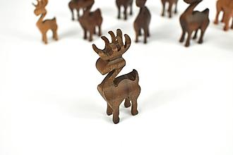 Dekorácie - Vianočný sob - malá drevená figúrka (Šimonko (hnedý)) - 11277346_