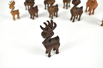 Dekorácie - Vianočný sob - malá drevená figúrka (Riško (tmavohnedý)) - 11277347_