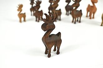 Dekorácie - Vianočný sob - malá drevená figúrka (Jurko (tmavohnedý)) - 11277351_