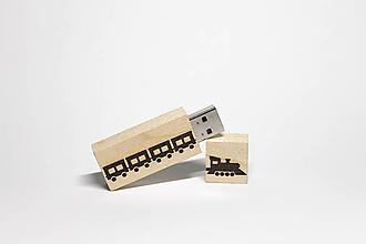 Drobnosti - DREVENÉ USB_VLÁČIK - 11277893_