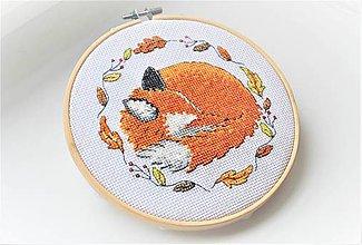 Dekorácie - Ručná vyšívka spiace zvieratko líška - 11277102_