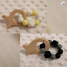 Hračky - Hryzatko drevené (rôzne varianty) (Rybička (čierna+sivá)) - 11276393_