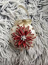 Dekorácie - Vianočná guľa s vločkou - 11275700_