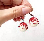 Náušnice - Plstené náušnice Biele s červenou - 11275018_