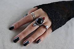 Prstene - strieborný prsteň s obsidiánom (pre EMO princeznú) - 11279069_