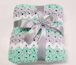 Textil - háčkovaná deka - mentol, biela, sivá - 11281530_