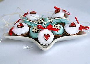 Dekorácie - Vianočné oriešky, mix srdiečko a vločka - 11283779_