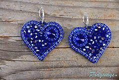 Náušnice - Srdce na dlani...vyšívané (Sapphire) - 11284510_