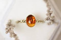 Prstene - Zlatý filigránový prsteň - Splynutie (Jantár) - 11283325_
