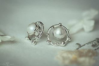 Náušnice - Strieborné napichovacie náušnice s perlami - Bokeh Pearl (Čierna) - 11279306_