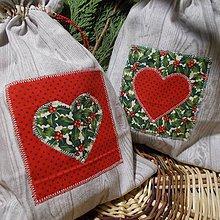 Úžitkový textil - Vianočné/mikulášske vrecko - cesmínové srdce - 11282916_