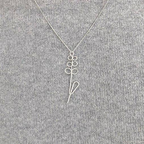 Strieborný náhrdelník s levanduľou