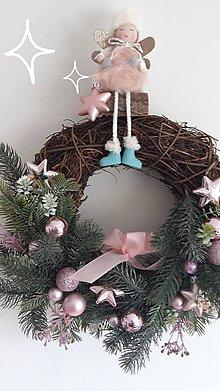 Dekorácie - Vianočný veniec ružovkastý - 11279942_