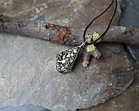 Náhrdelníky - Trblietanie (pyrit) - 11282342_