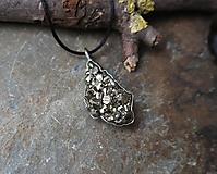 Náhrdelníky - Trblietanie (pyrit) - 11282383_