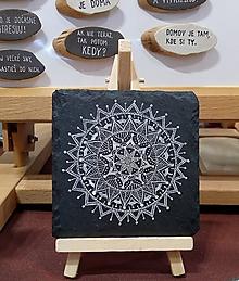 Dekorácie - Biela kresba na čiernej bridlici - Na kameni maľované - 11285112_