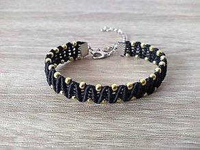 Náramky - Makramé čierny náramok so zlatými perličkami - 11280210_
