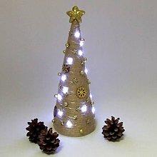 Dekorácie - GAIA - vianočná dekorácia - stromček zlatý - 11282110_