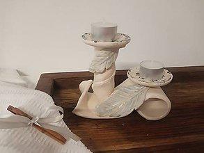 Svietidlá a sviečky - Svietnik s pierkami - 11280158_