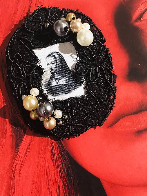 Retro brošnička Anna Bretónska