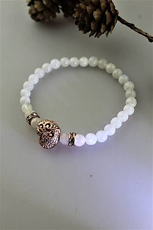 Náramky - dúhový mesačný kameň náramok so srdiečkom - 11289576_