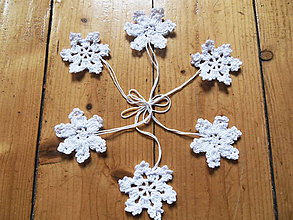 Dekorácie - Háčkovaná snehová vločka biela - vianočná dekorácia - sada 6ks - 11286084_