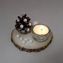 Dekorácie - APOLON - vianočný šiškový svietnik  (Biela) - 11287445_