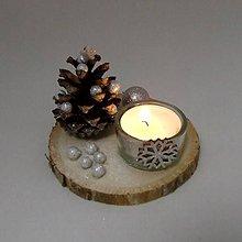 Dekorácie - APOLON - vianočný šiškový svietnik  (Strieborná) - 11287453_