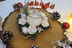 Dekorácie - Ručne vyrezávaný vianočný svietnik- biely - 11288126_