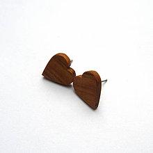 Náušnice - Drevená náušnice napichovacie - čerešňové srdiečka - 11287962_