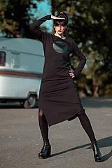 Šaty - FNDLK úpletové šaty 440 RVL midi s rozparkem - 11290635_