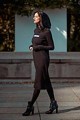Šaty - FNDLK úpletové šaty 444 RuVdK midi - 11290698_
