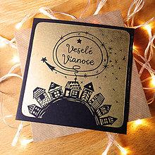 Grafika - Vianočná pohľadnica * Domčeky s hviezdou (Čierny podklad) - 11291089_