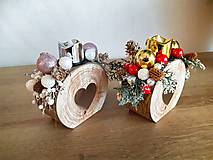 Dekorácie - vianočný svietniček červený so zlatými guľami - 11292745_