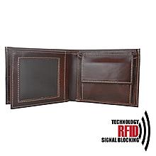Tašky - Ochranná pánska kožená peňaženka v hnedej farbe - 11291809_