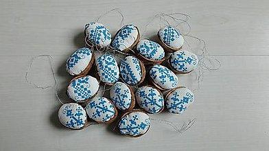 Dekorácie - Vianočné oriešky - ľudový vzor - 11290265_